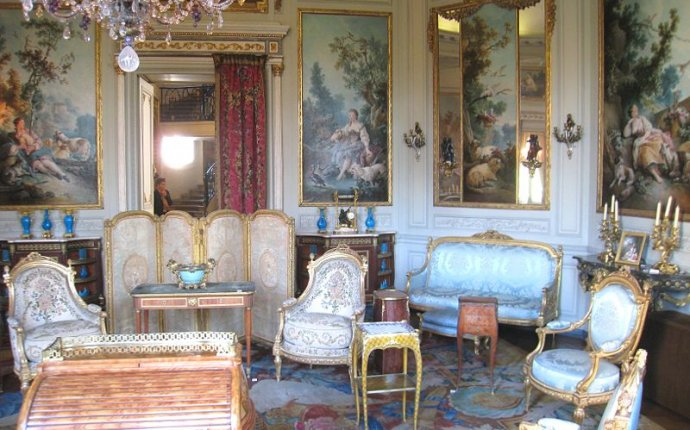 Design History: French Louis XV Style