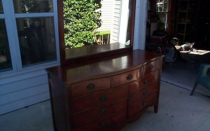 Dixie Furniture Bedroom Set | My Antique Furniture Collection