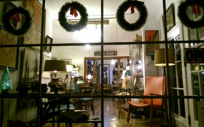 Happy Holidays! Vintage Modern Antiques 70 Tinker St. Woodstock