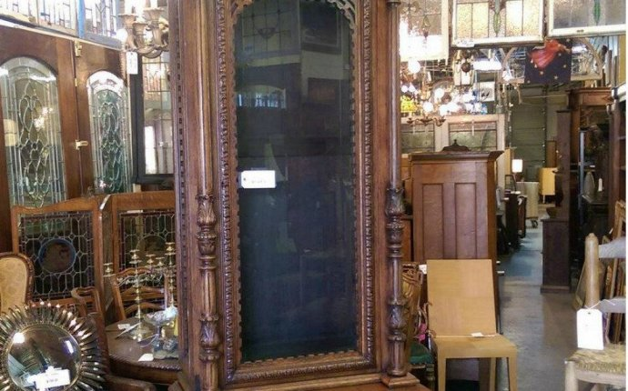 Lots of Furniture Antiques Warehouse: Dallas Shopping Review