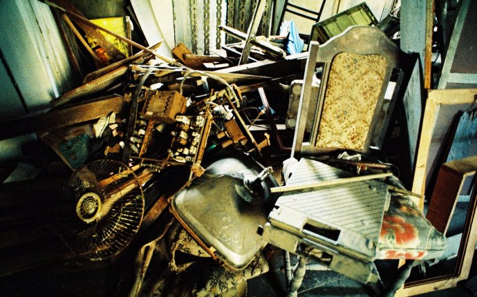 Mitre Hotel, Singapore : A junkyard for furniture | Too much… | Flickr