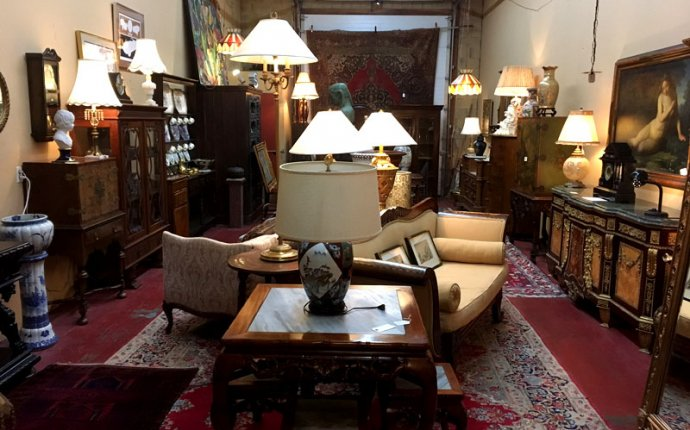 Taylor Antiques - Kelowna BC, buy and sell antiques and