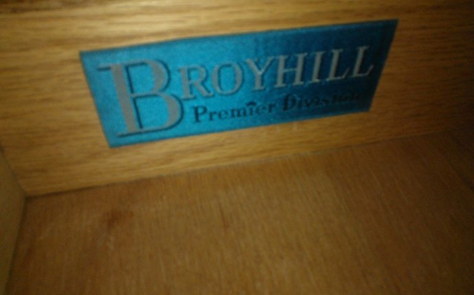 What Broyhill Line Is This From? | My Antique Furniture Collection