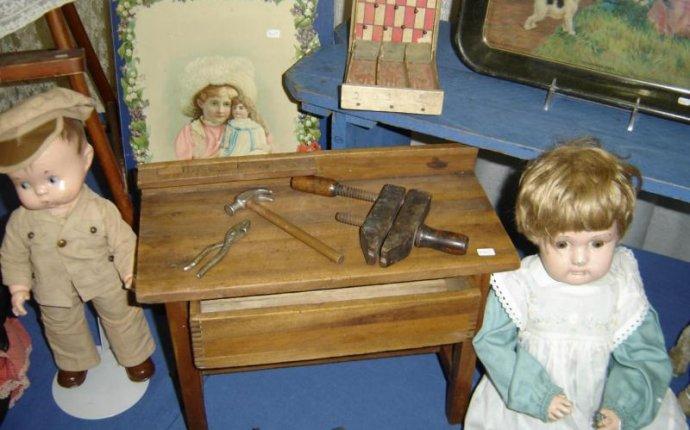 Wisconsin Antiques Dealers Association - Angus Antiques