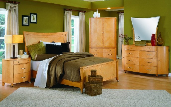 Antique Maple Bedroom Furniture