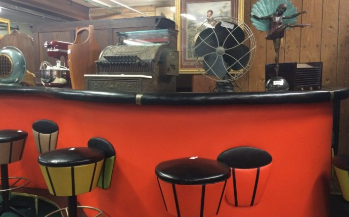 Vintage Furniture Auctions